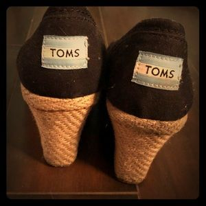Black TOMS wedges